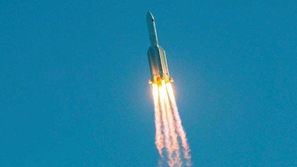 en-vivo:-el-cohete-chino-fuera-de-control-se-acerca-a-la-tierra-y-no-se-sabe-donde-caera
