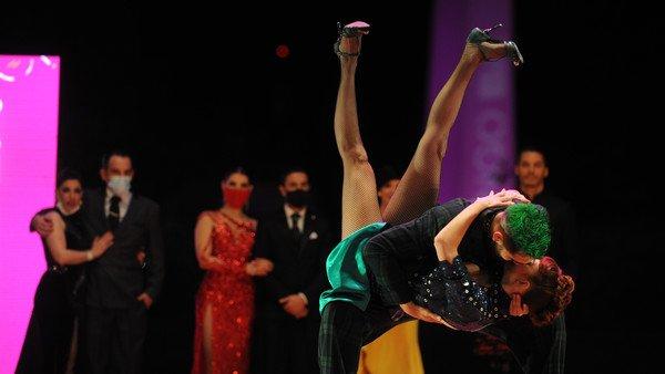 tango-escenario-y-tango-de-pista:-¿amigos-o-rivales?